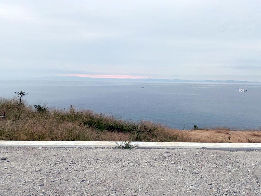 淡路島の淡路市釜口にある海が見える(海沿いの)土地販売中!